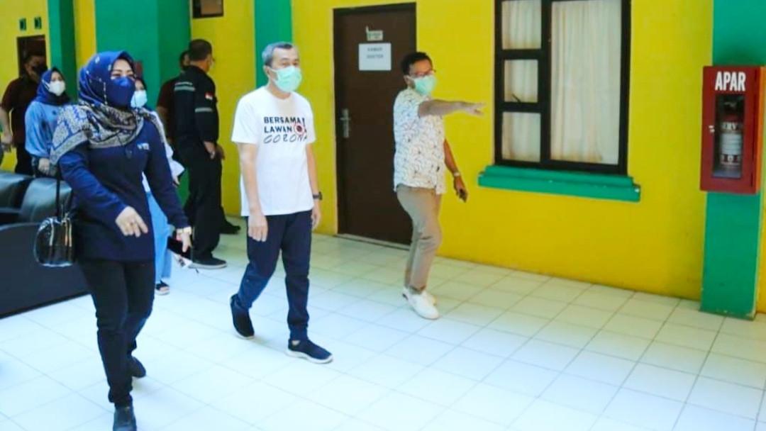 Riau Siapkan Asrama Haji Atasi Ledakan Warga Positif Covid-19
