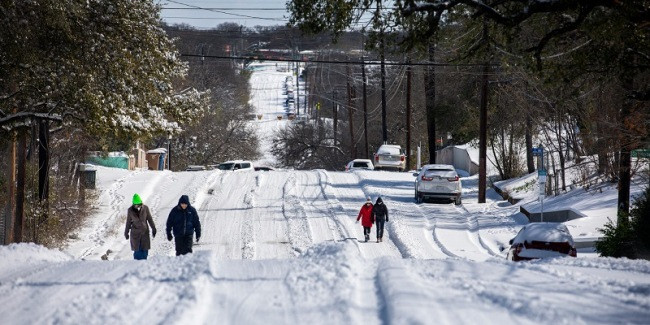 Badai Musim Dingin Landa Texas