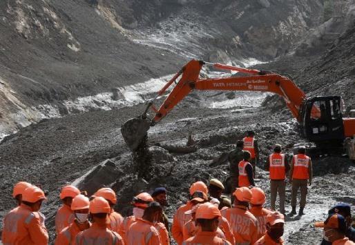 35 Pekerja Terjebak di Terowongan Beberapa hari setela longsor himalaya